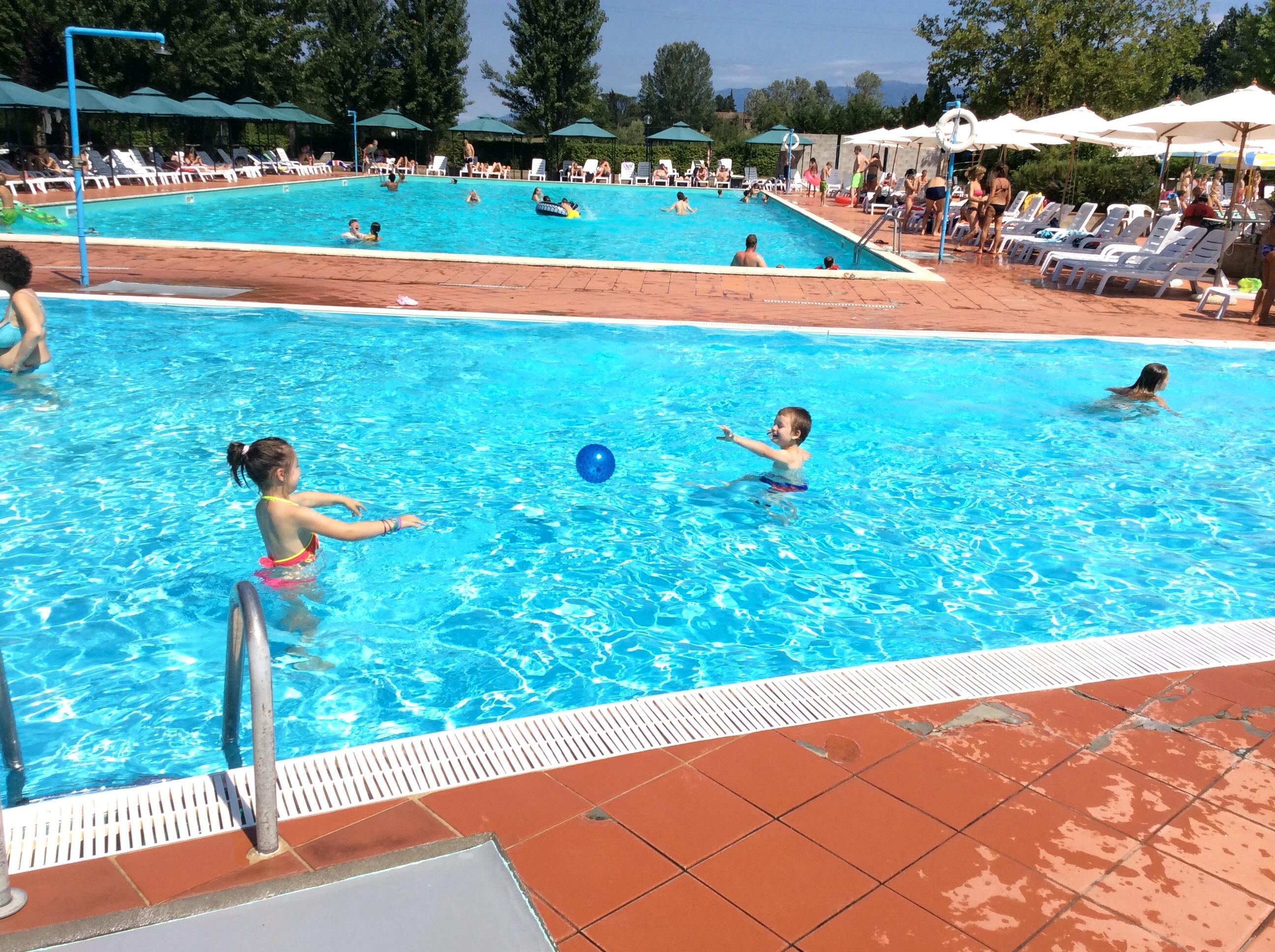 Piscine interrate valdarno arezzo toscana manutenzione e costruzione piscine arezzo - Piscine in toscana ...