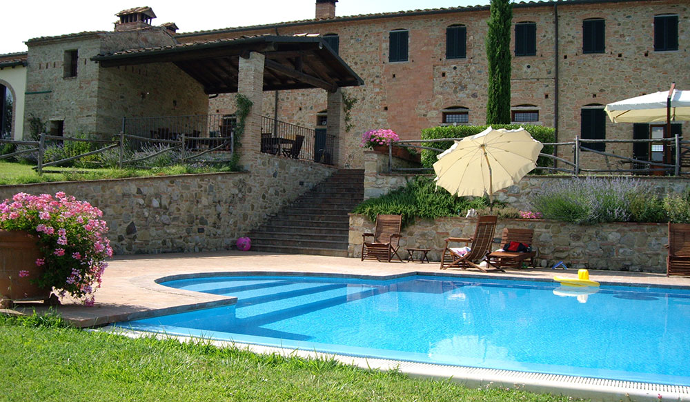 Piscina interrata in agriturismo