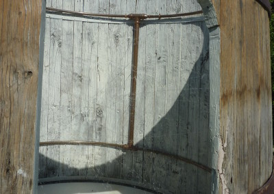 Doccia su misura dentro una vecchia botte